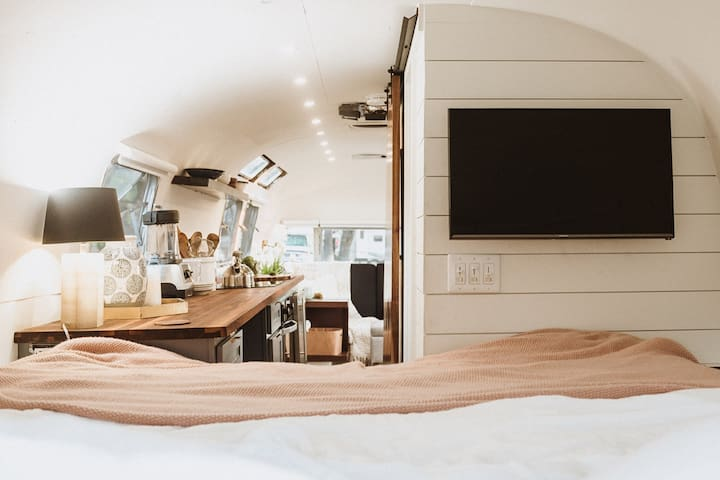 Luxury Minted '76 Airstream Mountain Modern Studio