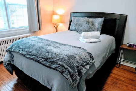 Private Studio Apartment Minutes from the Falls!