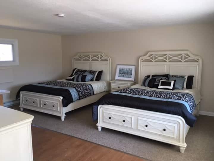 NEW! Shore Road Inn Room 2