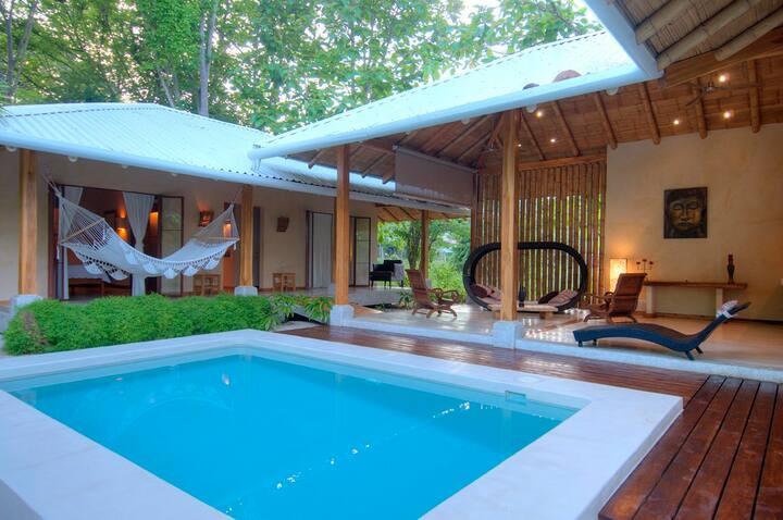 Casa Mali private luxury beachvilla