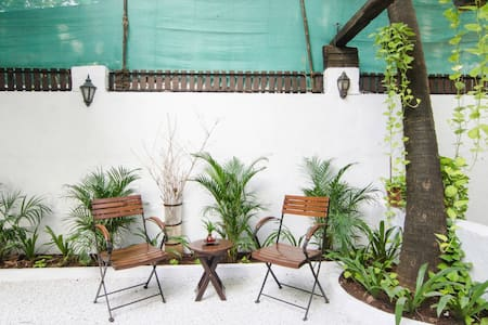 2 Bedroom villa with Garden in Juhu
