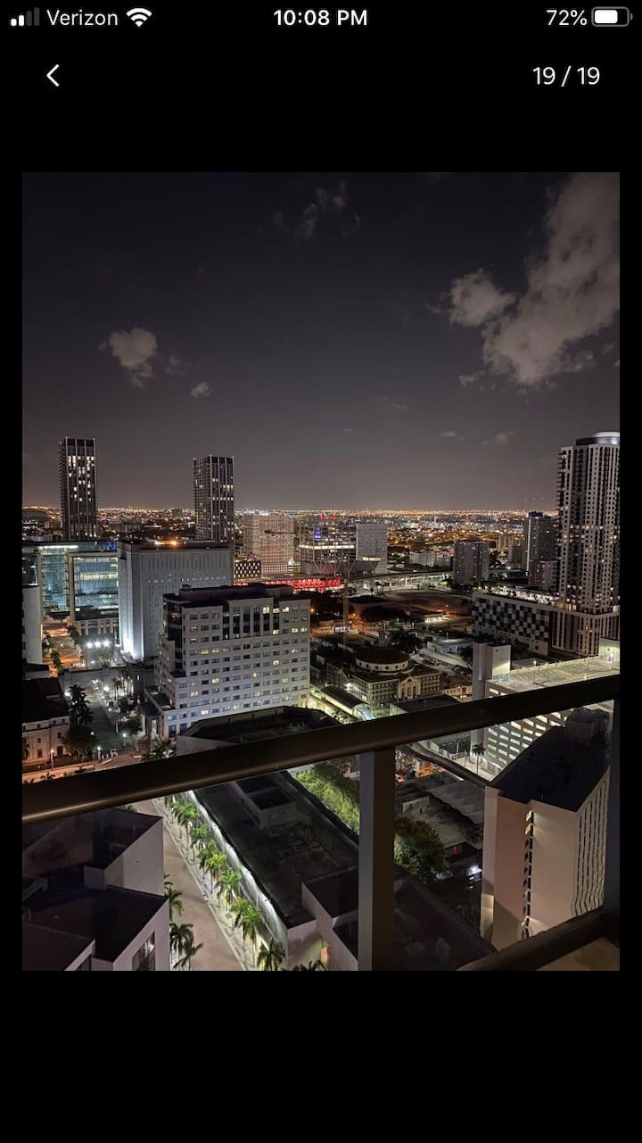 Luxury Modern Condo In Heart Of Downtown Miami