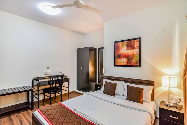 Comfortable Spacious Room in Thane @ GB Road