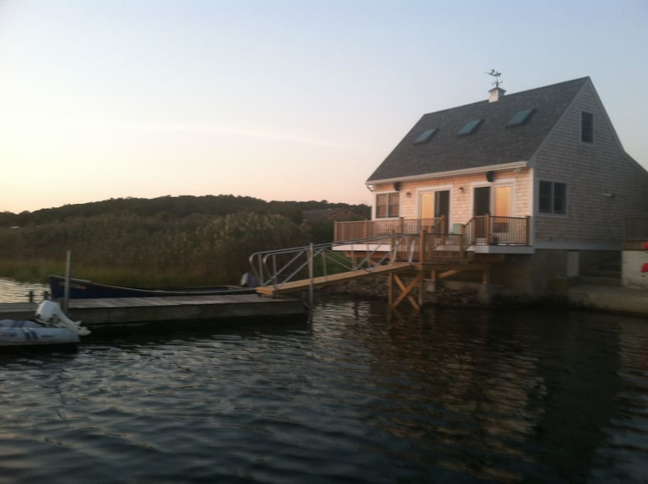 The sun the moon the stars romantic waterfront houses for Rhode island bath house