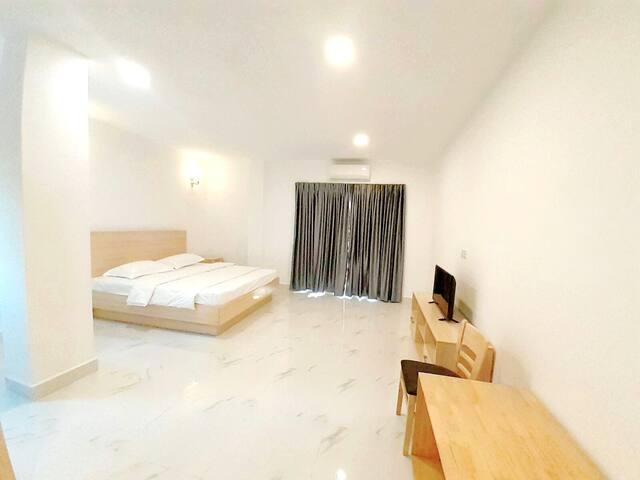 双床+私人浴室+山景+海景+城市景观+健身房+游泳池