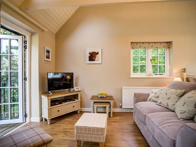 LIME TREE, character holiday cottage in Burford, Ref 990416