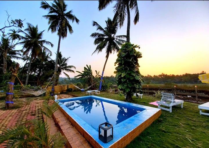 OPEN CAGE  PRIVATE POOL villa  huge garden ,wifi