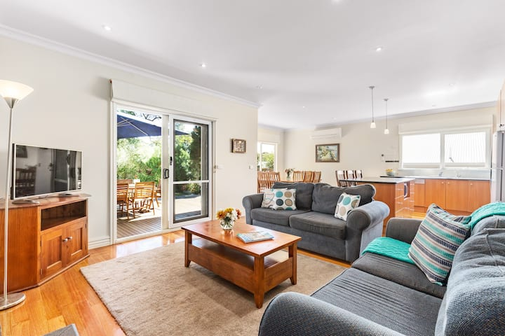 350m Beach, Pets, NBN WiFi, Fireplace, Linen, BBQ