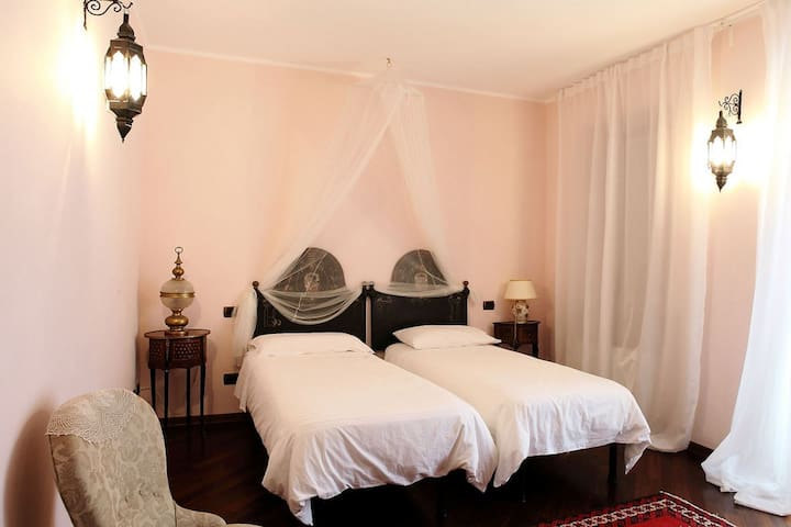 Camera Rosa - Breme - Bed & Breakfast