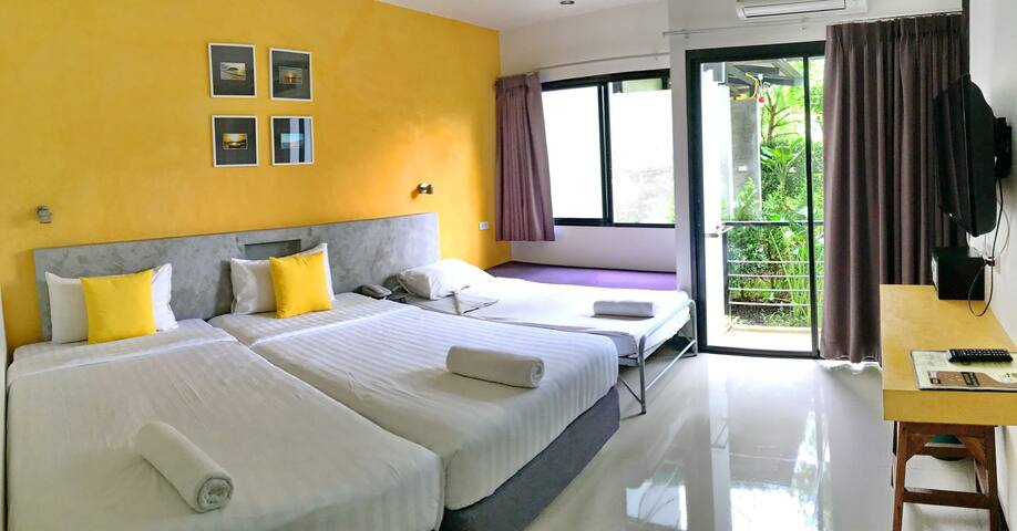 Ideo Phuket Airport Room for 3 Person - Thalang - Bed & Breakfast