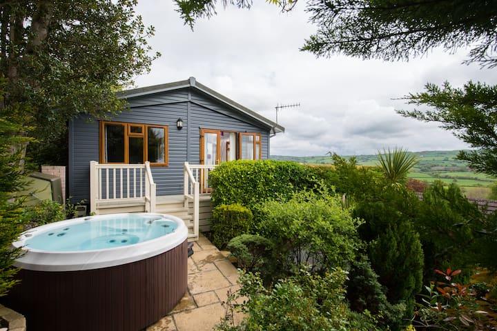 Cliff Top Lodge | Tan Rallt Holiday Park & Spa