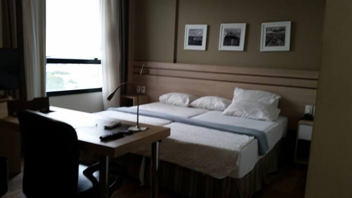 Quarto inteiro no hotel intercity