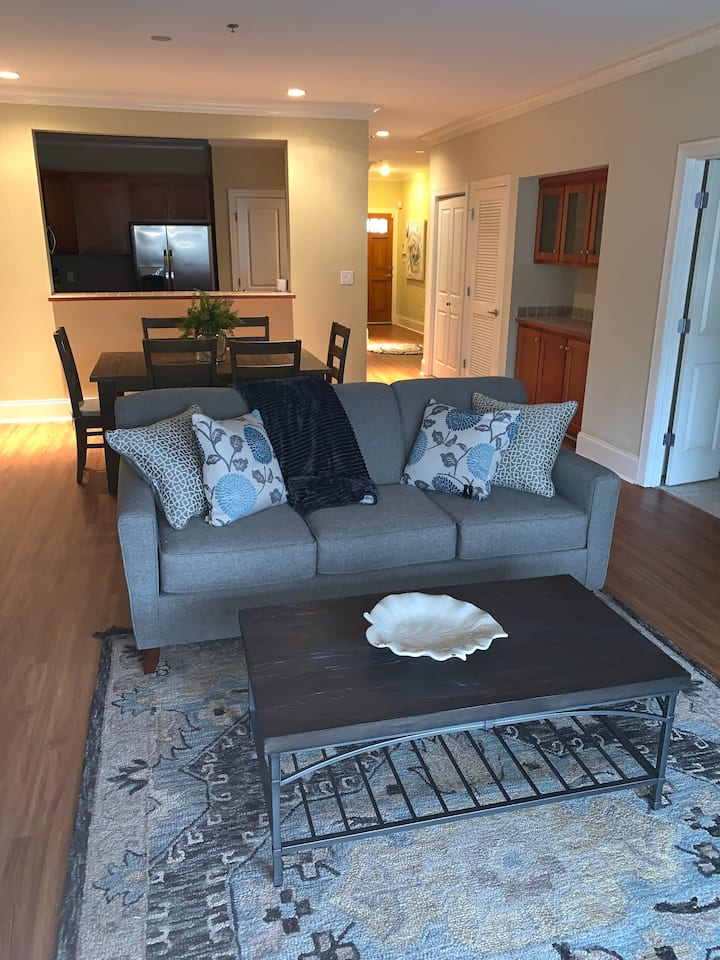 Short Term Corporate Rental Available!