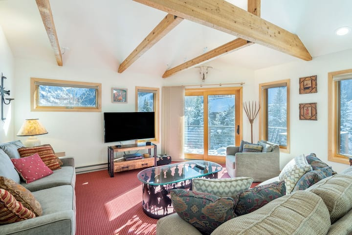 2 bedroom condo with Amazing Views of the Iconic Waterfall end of Telluride