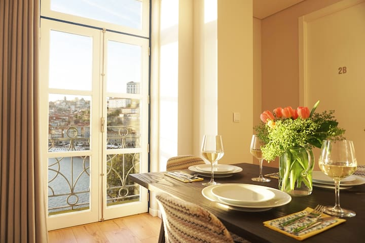 Porto View 2B: Two-Bedroom APARTMENT [River View]