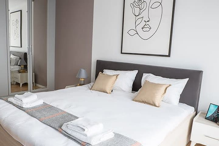 LINA - PRN, Central Dream Apartment