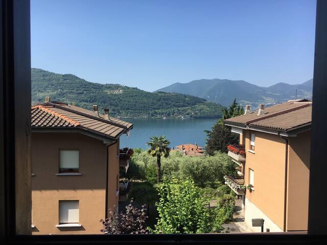 Delizioso appartamento con vista lago