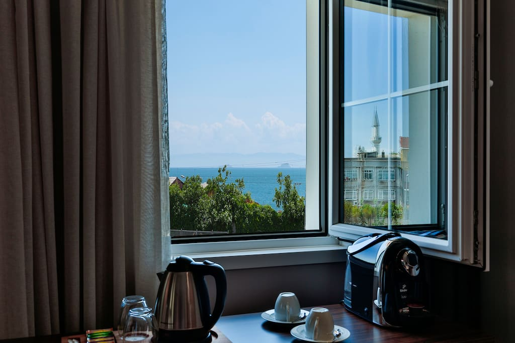 Family suite sea view by walton hotels sultanahmet for Walton hotels sultanahmet