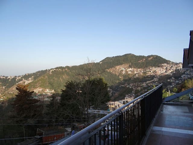 Green Mountains facing Stay - Shimla - Dům