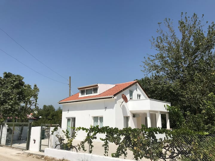 Doğa ile başbaşa mini villa ( kır evi )