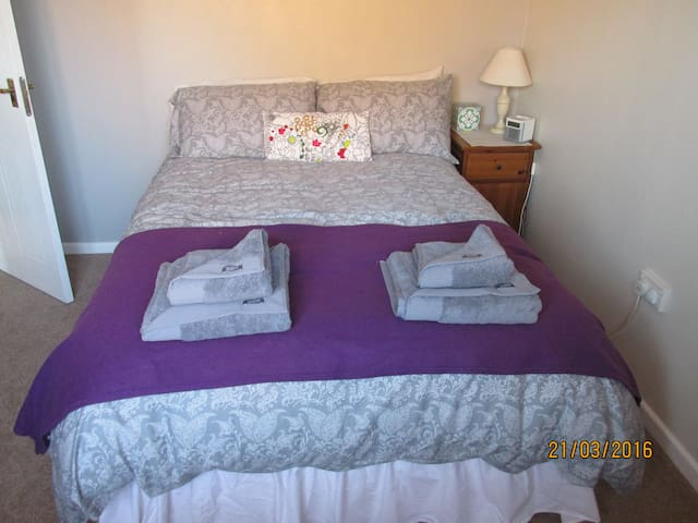 Double room in Seaside town - Burnham-on-Sea - บ้าน