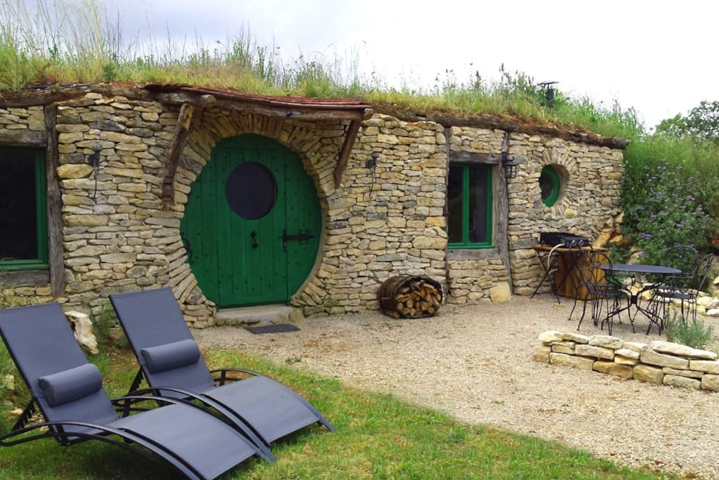 la maison troglodyte hobbit habitations troglodytes louer lavaurette occitanie france. Black Bedroom Furniture Sets. Home Design Ideas