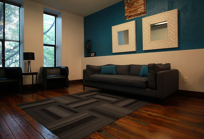 Downtown 2 Bedroom  Loft Apartment
