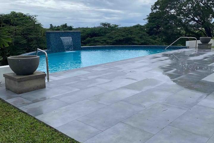 Plantation home w/ Pool