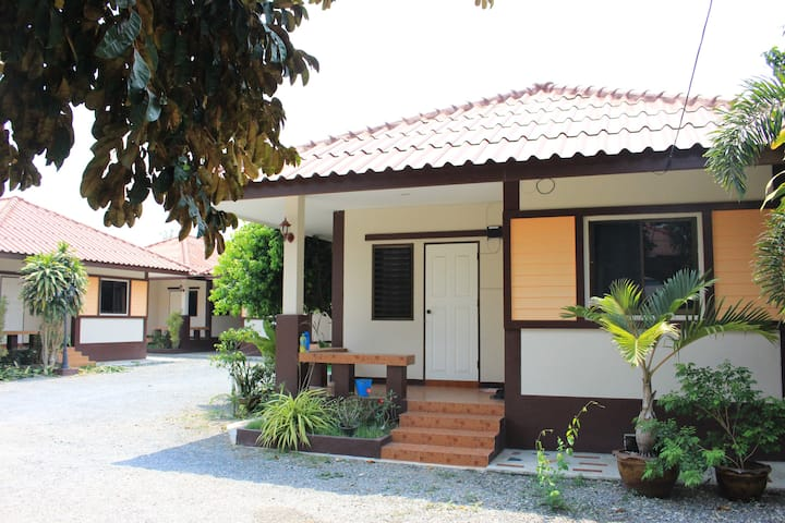บ้านพิงค์พรรณ (Ping-Phan House)