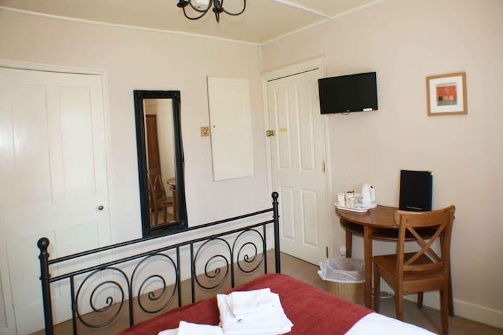 Room 1 - 1 Park Row Guest House