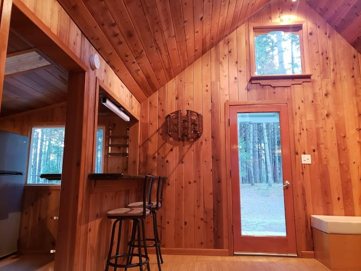 Blissful Solitude - Sweet Cottage