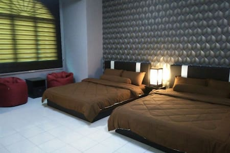 Private 2Q&1BA (4 pax) with pantry  / 15mins KLIA - Sepang - Haus