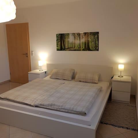 Schlafzimmer mit Doppelbett 180x200cm bei Buchung von 2 Personen