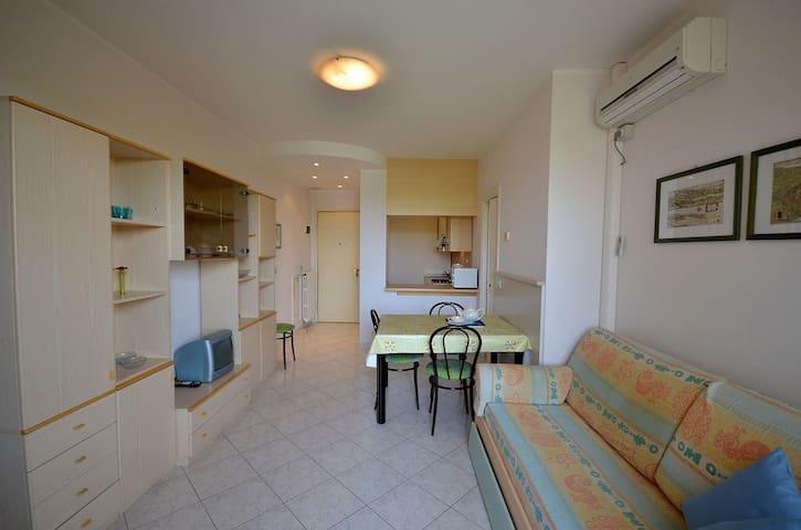 THREE-ROOM-APARTMENT FRESIA 1 - Bibione - Apartment