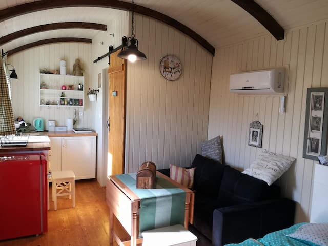Luxurious romantic shepherds hut at the farm.