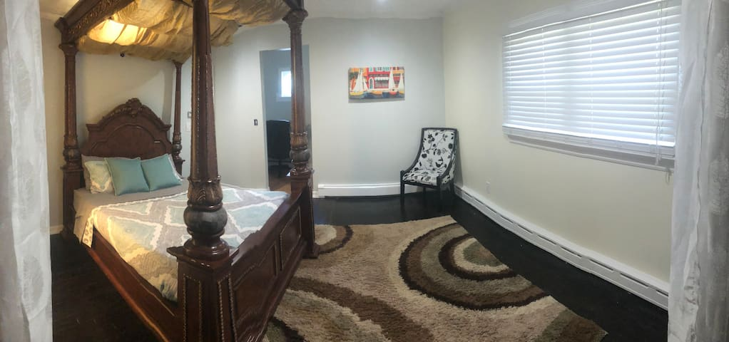 Master bedroom and on suite office entrance