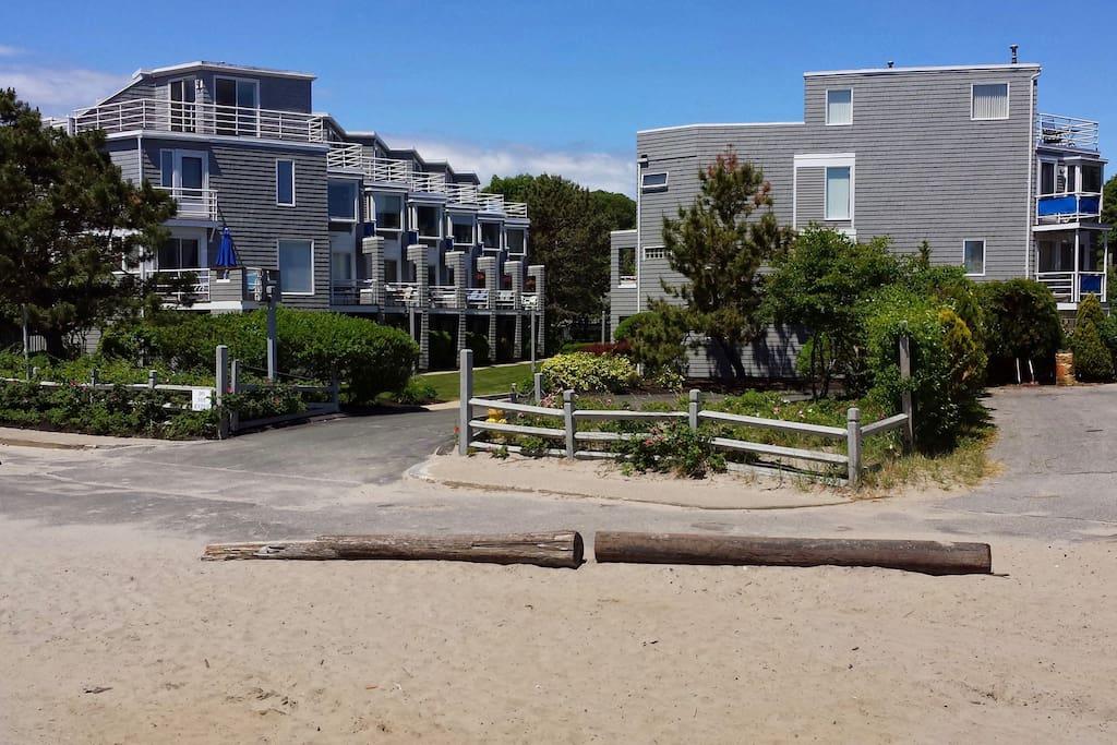 Long Beach Place Condominiums