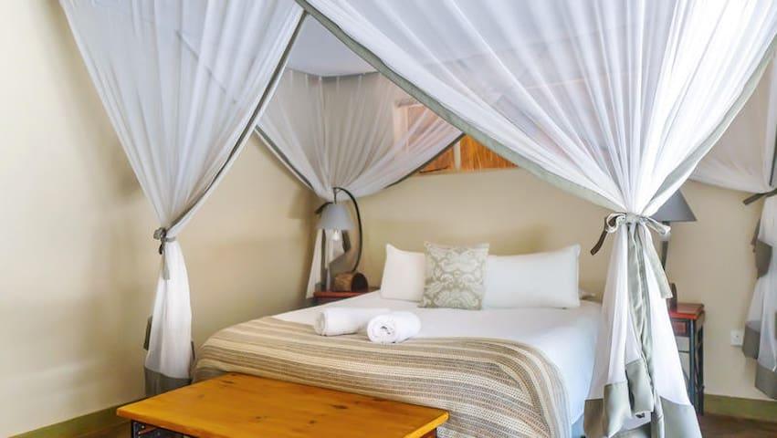 Nguni Lodge - Standard Room