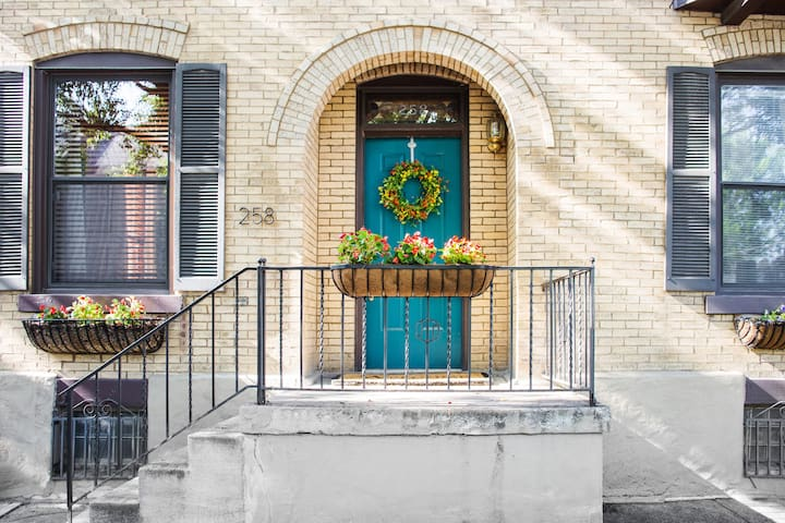 Historic Townhome in Heart of German Village