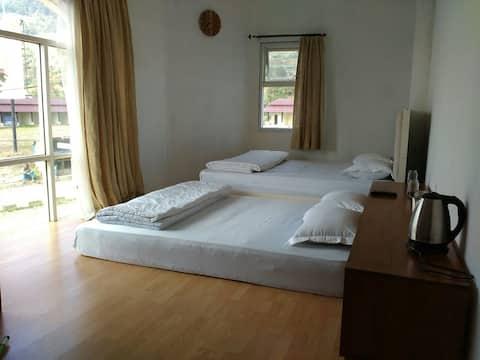 Tani Jiwo Hostel I Family Room 2 I Shared Bathroom