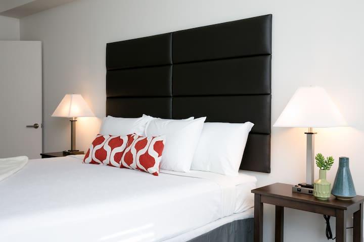 Spectacular One Bedroom on Rio Salado Parkway