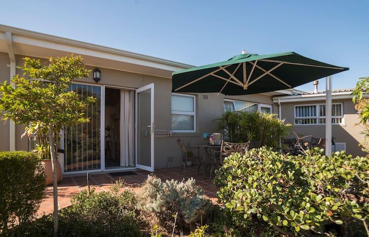 Macaw Lodge: Garden Flat