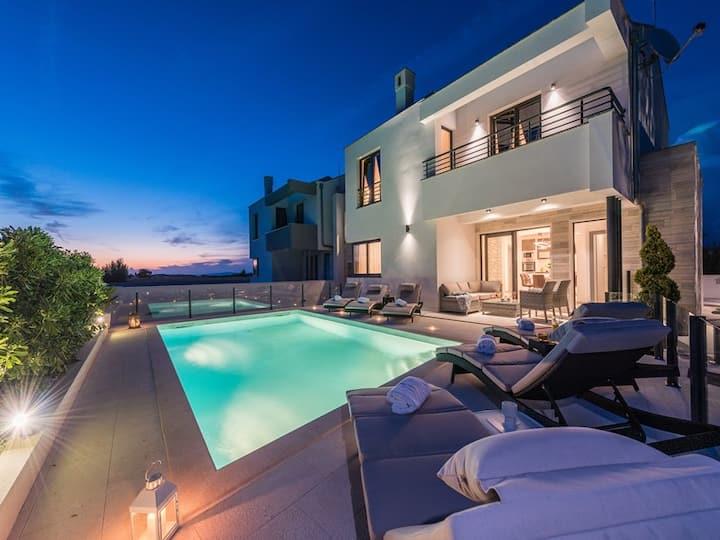 Villa Ana Privlaka-wellness villa with heated pool