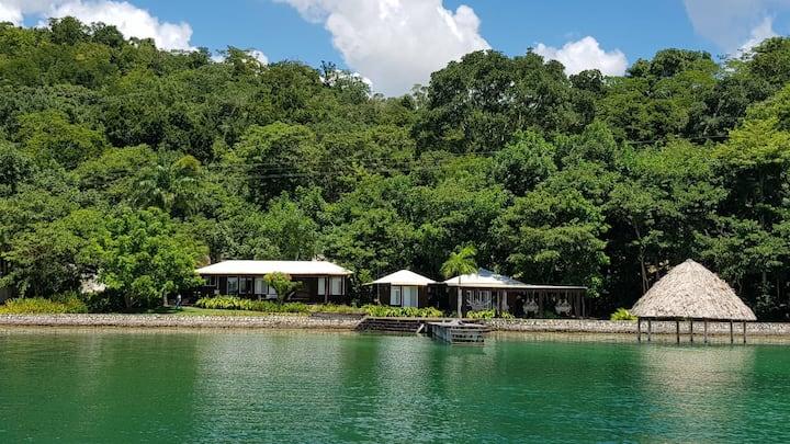 CASA WAYAK, Luxury Villa near Tikal San José peten