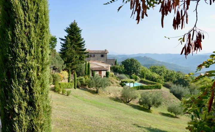 Villa Montone, luxury holiday home with stunning views
