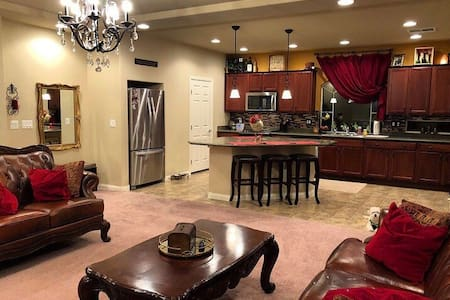 Private RM in SW w/desk, TV,  blackout curtains