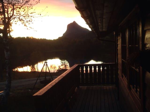 Stor hytte med nydelig utsikt