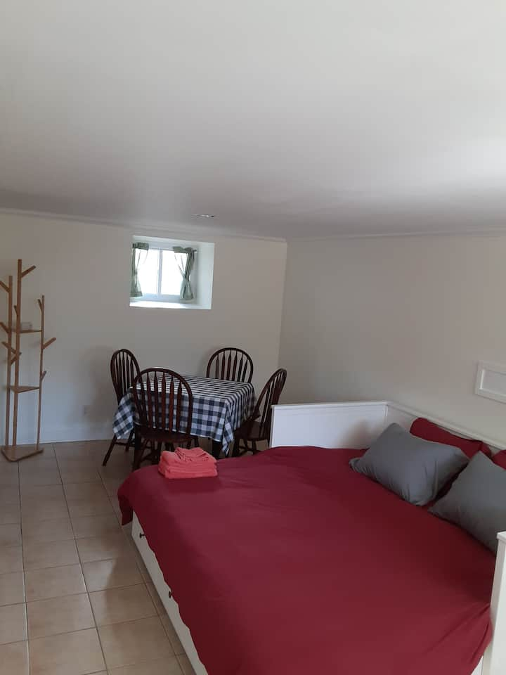 Self contained studio in charming colonial