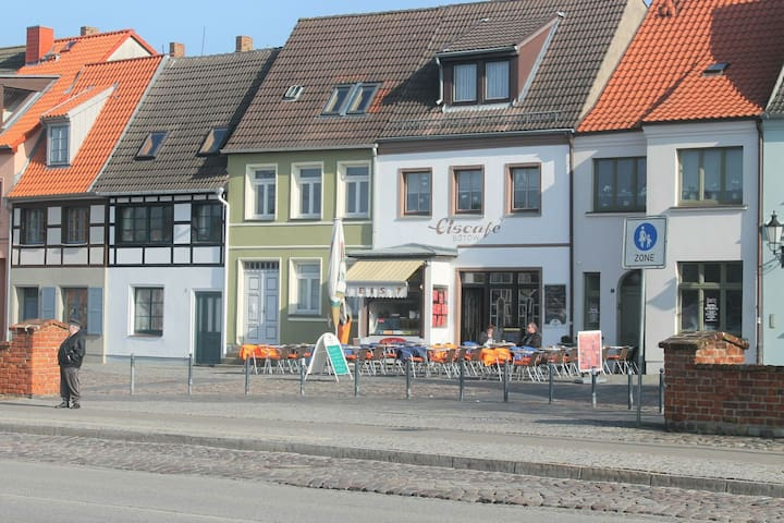 Picturesque Apartment in Wismar Germany near Beach
