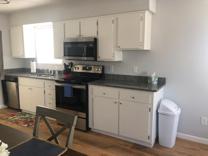 Newly renovated - 2 bed/1 bath